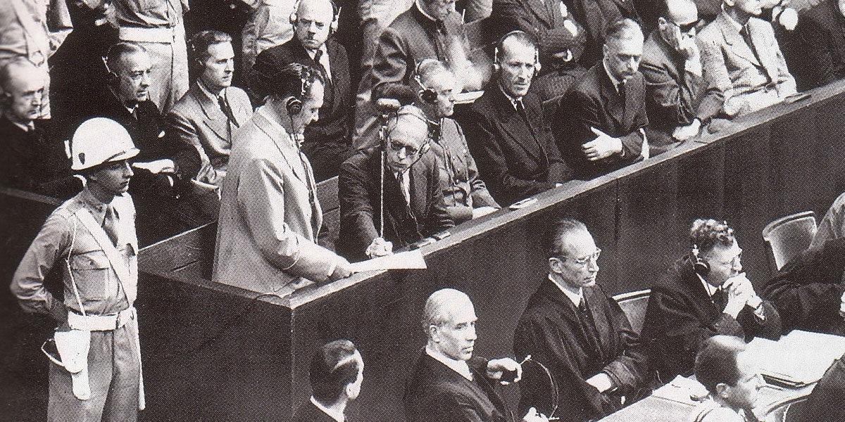 Les allemands au banc des accusés au procès de Nuremberg